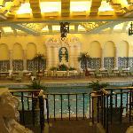 la magnifique piscine art nouveau
