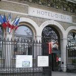 Hotel/hospital entrance