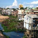 Ansicht neben Rio Negro Guesthouse