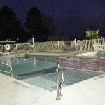 Outdoor pool & hottub