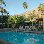 Old Ranch Inn pool & breakfast area beyond