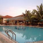 hulule pool/pool bar