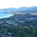 Blick vom Monte Nai auf den Ort
