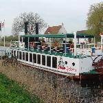 The little paddle boat off to Damme
