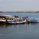 barche all'approdo dell'isola