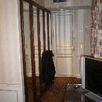 Room 9 hallway/closets