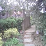 Mt. Vernon Inn Garden