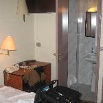 utrillo bed & shower