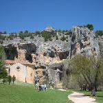 Ermita y cueva