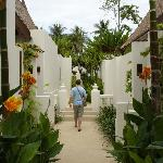 walkway from beach/pool/restaurant to rooms
