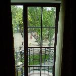 view from bedroom (suite 404), very quiet park
