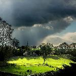 orage dans la vallée d'un château privée. - Pays de la Loire