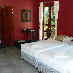 Garden View Cottage - Bedroom