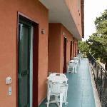 Balkon und Eingang