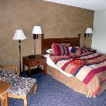 Good comfortable decor / King Size