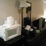 Guestroom Microwave - Dunkirk, N.Y.; Comfort Inn