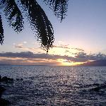 Sunset from front lawn of Mahina Surf