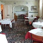 Dining room-cosy and with great breakfasts!