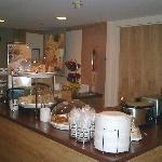 Breakfast Bar (looking right)