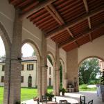 Corte Zanella, porticato