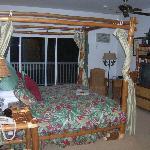 Tropical Splendor Room