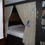 the  alcove bed