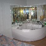 Ritz Inn Niagara & Wedding Chapel Photo