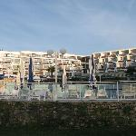 the hotel with the swimming-pool