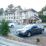 The hotel has a smallish lot. No problem for my rented G6.