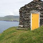 Ireland: co. Kerry - Great Blasket - The Yellow Door