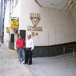 Esta es la entrada del hotel