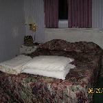 Parkside Inn Bed