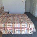 Henipa Hotel Twin Room