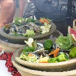 barbecue sardines, bord de piscine