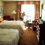Standard 2 Queens Room