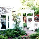 McCully house garden & patio