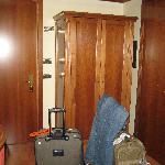 Hotel Abacus - closet and door