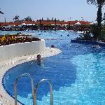 piscine tranquille et bien grande