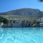Bellonias Pool & Bar