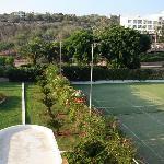 Garden, tennis courts