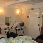 Bedroom (room 7) - opposite view