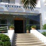 enter in Ariadne beach