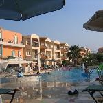 Photo de Maleme Mare Beachside Hotel