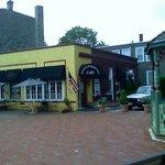 Zena's Patisserie & Cafe