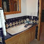 Guadalupe Inn-Beautiful new bath fixtures