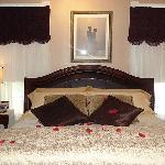 Ellington Suite Bed