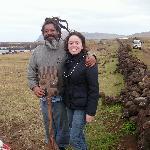 Con un artesano Rapa Nui