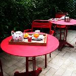 Bed-and-Breakfast-in-Paris-Terrasse-La-Villa-Paris