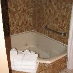 A spacious tub