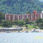Vista del Hotel desde el Lago Atitlan